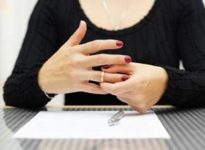 Вологжанка продала обручальные кольца без согласия мужа и улетела на Гоа
