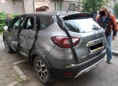 Череповчанин взорвался в машине