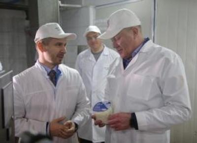 Олег Кувшинников посетил маслозавод в Тотьме