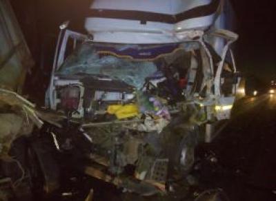 Под Вологдой столкнулись два грузовика