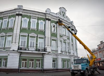 В Вологде начали устанавливать новогоднюю иллюминацию