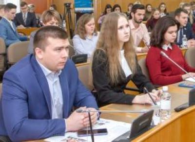 Молодые депутаты убеждают вологжан больше рожать