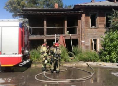 На Набережной VI Армии вчера горел двухэтажный дом