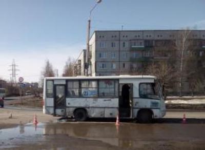Девушка попала под колеса пассажирского автобуса в Водниках
