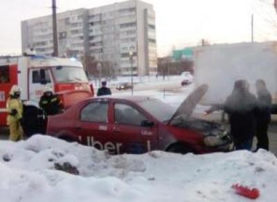Такси загорелось на ходу в Вологде