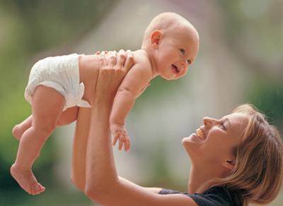 Ежемесячную выплату за рождение первенца можно будет получить с января 2018 года