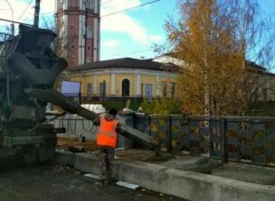 Сегодня завершат бетонирование на Октябрьском мосту