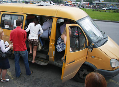Владельцев грузовиков и автобусов хотят уравнять с транспортными компаниями
