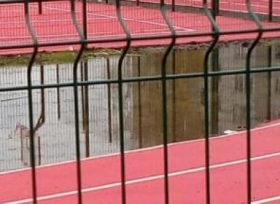 В Великом Устюге потратили 23 млн. руб. на стадион. Он ушёл под воду