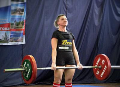 Два российских рекорда побиты штангисткой из Череповца Ириной Шишигиной
