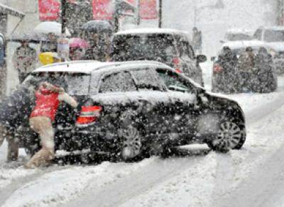 Вологжан просят быть сегодня особенно внимательными на дорогах Вологды