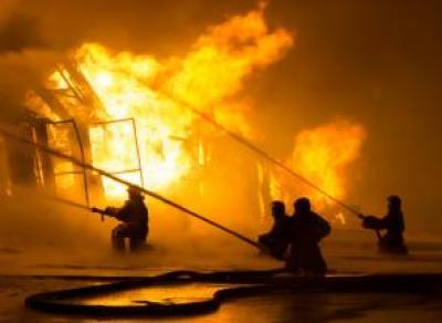 Большой мебельный склад сгорел в Вологде