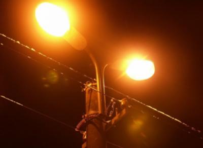 На площади Революции обновят фонари