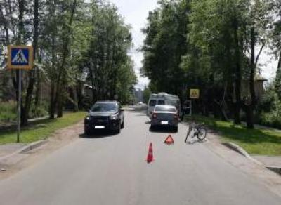 12-летняя девочка попала под колёса автомобиля