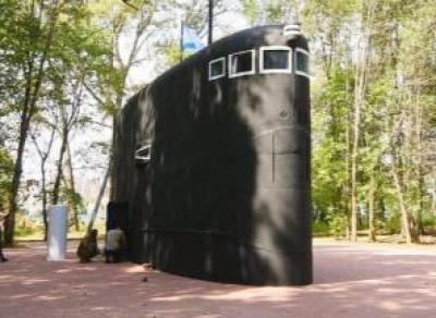 Подводная лодка «всплыла» в парке Победы