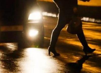 Вологжанка шла по мосту и попала под машину (видео)