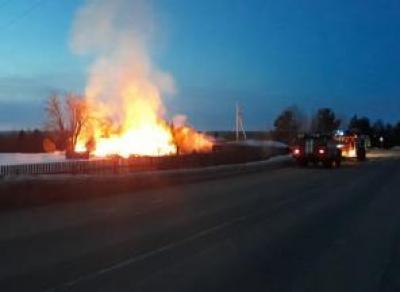 В Вологодской области неизвестные подожгли венки у Вечного огня