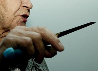 В Бабаевском районе пенсионерка зарезала супруга