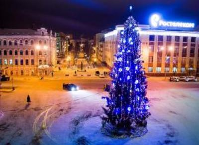 Почему в Вологде нет новогодней ели?