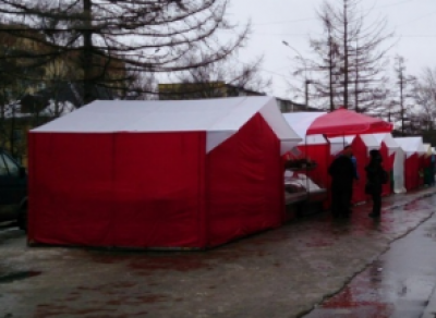 В Вологде на месте снесенных недавно ларьков появились незаконные палатки