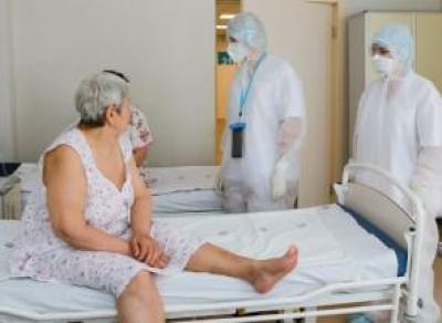 Сколько привитых среди пациентов моногоспиталей?