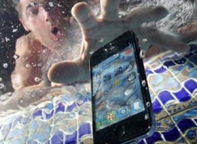 Что делать, если телефон промок
