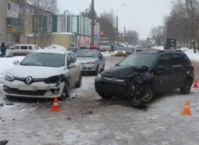 Мужчина выехал на встречку: пострадала женщина-водитель