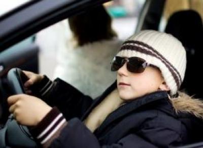 Сокольские подростки угнали автомобиль пенсионера