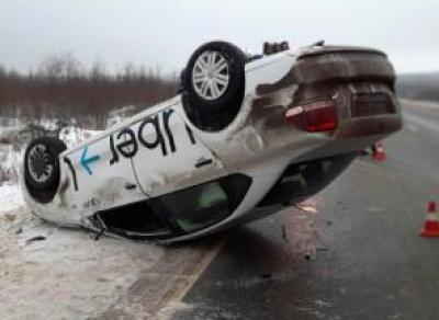 Таксист перевернулся на ровной дороге