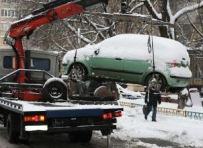 Автомобили, мешающие уборке снега, отвезут на штрафстоянку