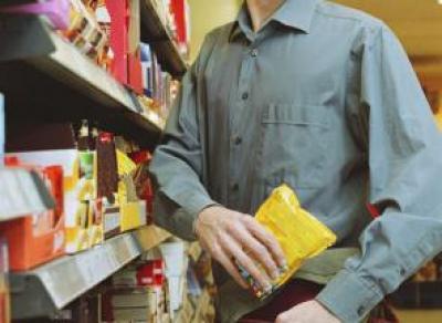 В Череповце благодаря украденным конфетам задержан мужчина, находившейся в розыске