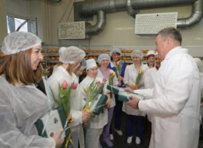 Олег Кувшинников нагрянул с визитом на «Вологодский хлебокомбинат»
