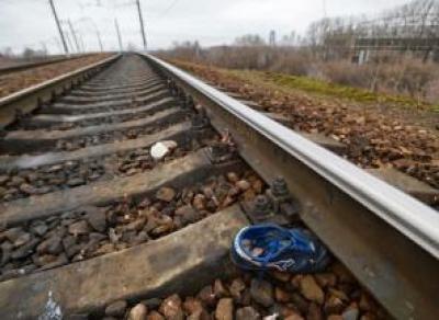 Под Шексной мужчина попал под поезд