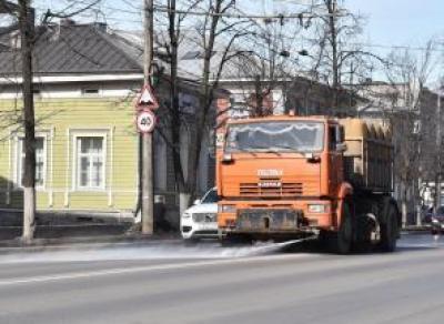В Вологде начали мыть улицы