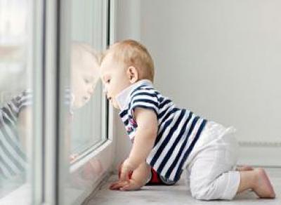 В Марфино ребенок выпал из окна коттеджа