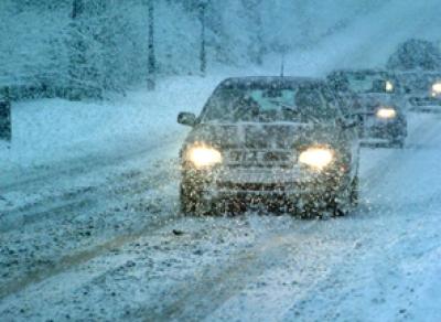 Водителей Вологодской области просят быть особенно внимательными на дорогах