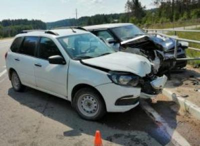 4 человека оказались в больнице после ДТП