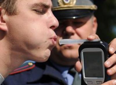 Проверять водителей на алкогольное опьянение будут по-новому