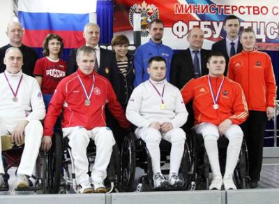 Череповецкие спортсмены Александр Курзин и Дмитрий Беляев завоевали 3 медали на чемпионате России по фехтованию на колясках