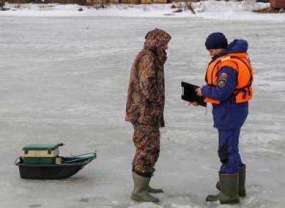 Череповецкие рыбаки оспаривают право выхода на лёд