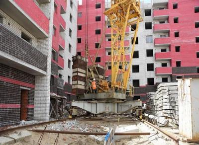 На этой неделе возобновят работы по строительству домов, брошенных компанией «Стройиндустрия»