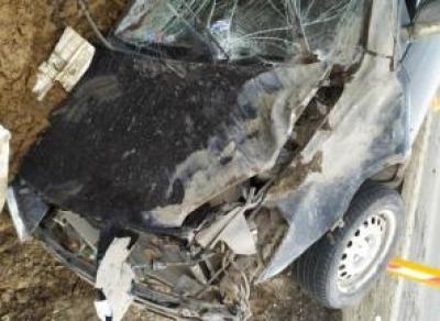 Водитель травмировал девушек в ДТП и сбежал