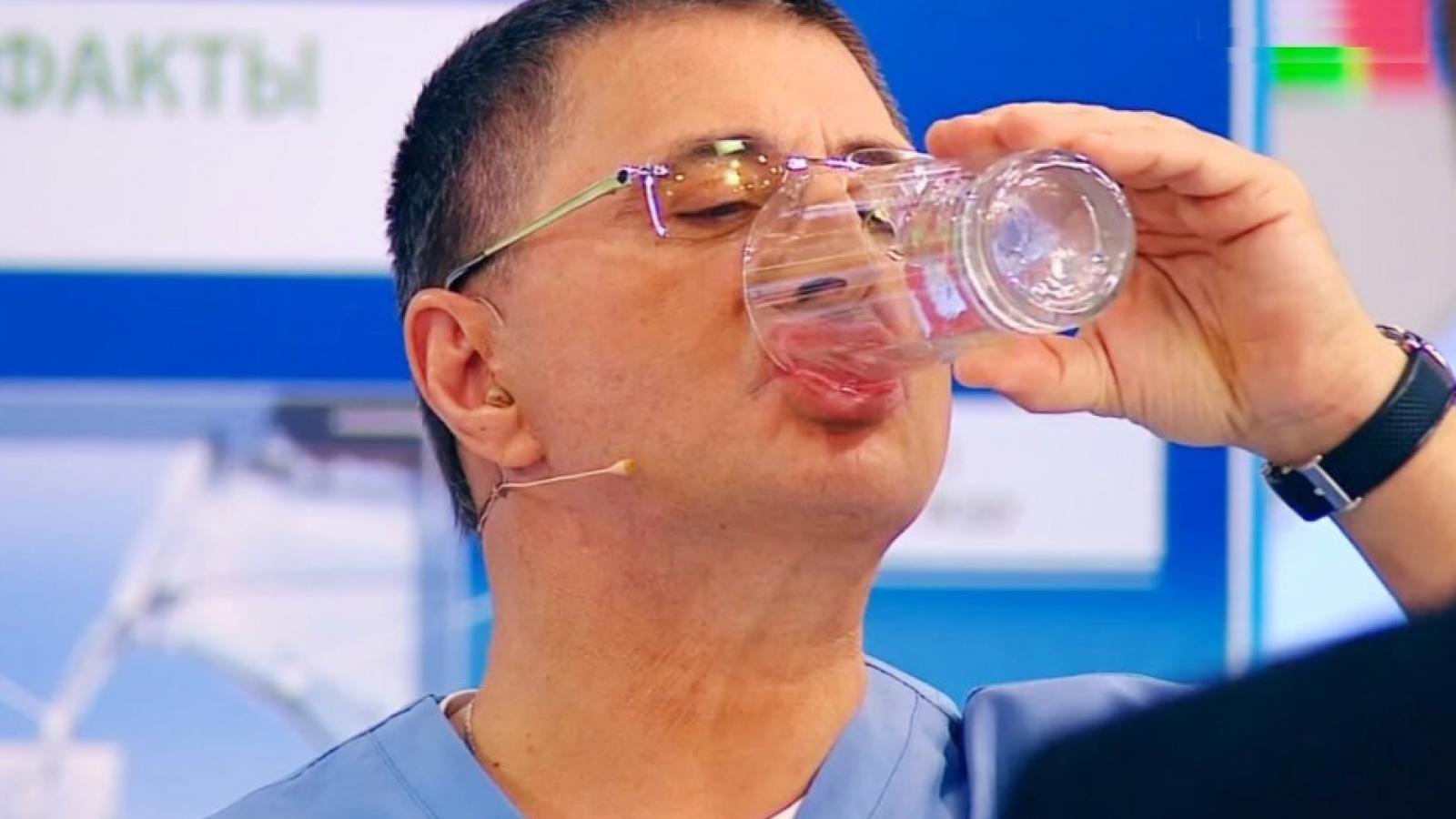 Доктор Мясников рассказал о вреде отказа от алкоголя