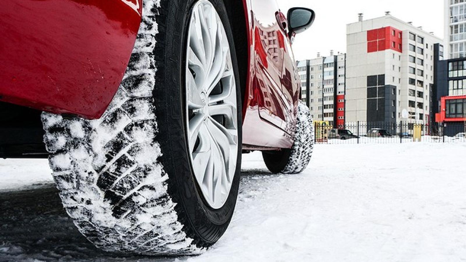 Вологжанам рекомендуют срочно «переобуть» автомобили