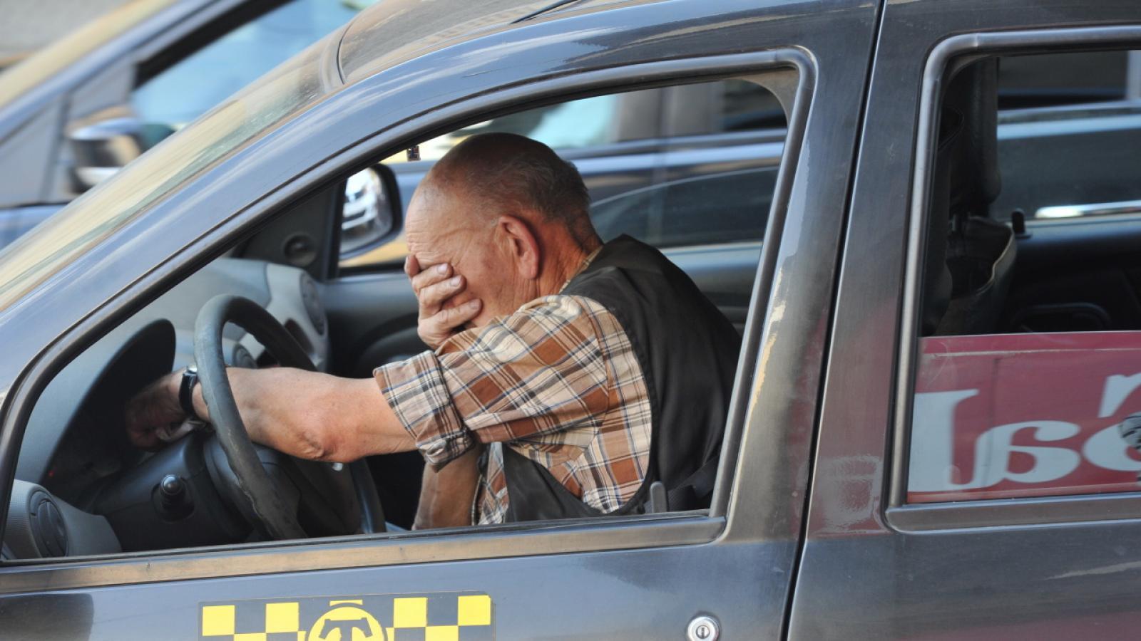 Череповчанин избил таксиста, не оплатив поездку