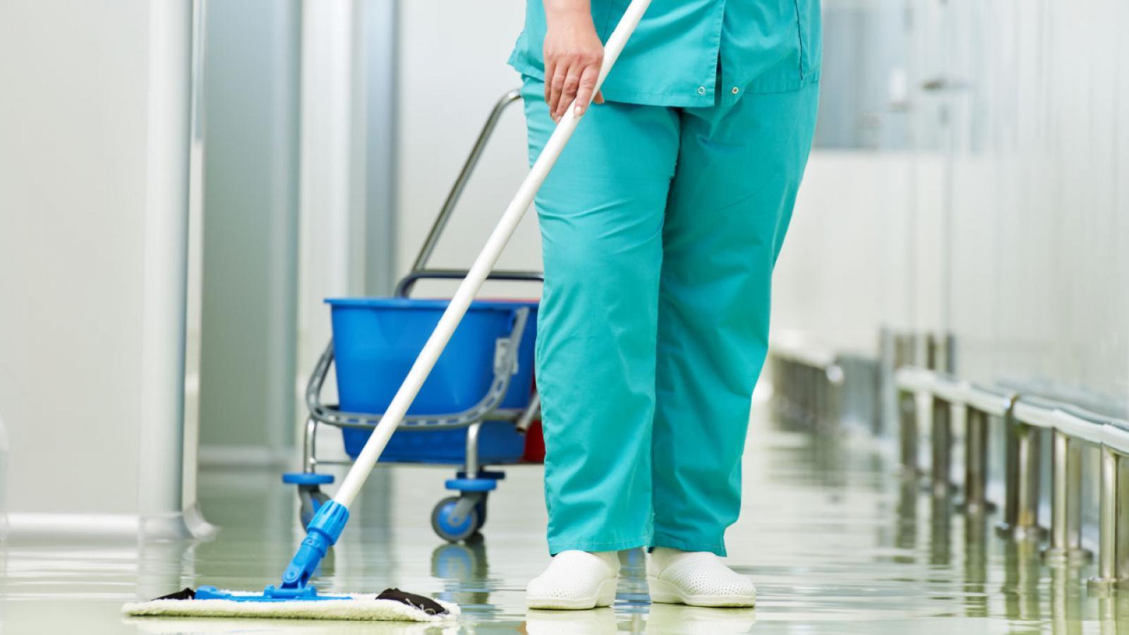 Перевод вологодских санитарок в уборщицы признали незаконным