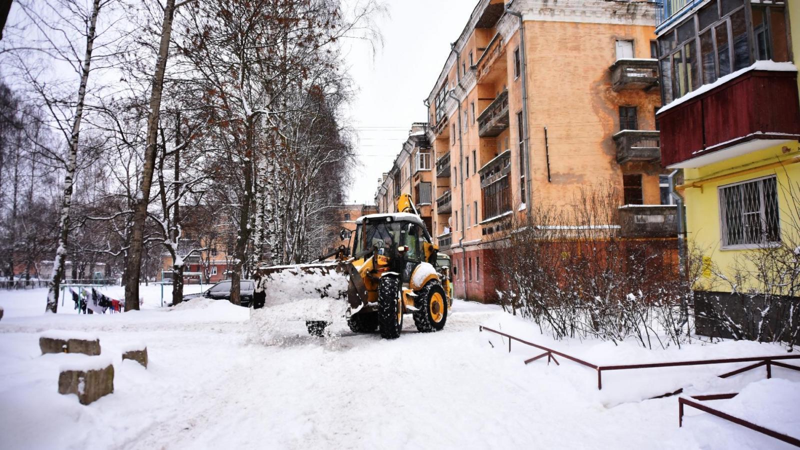 Мэр Вологды устроит внеплановую проверку уборки дворов