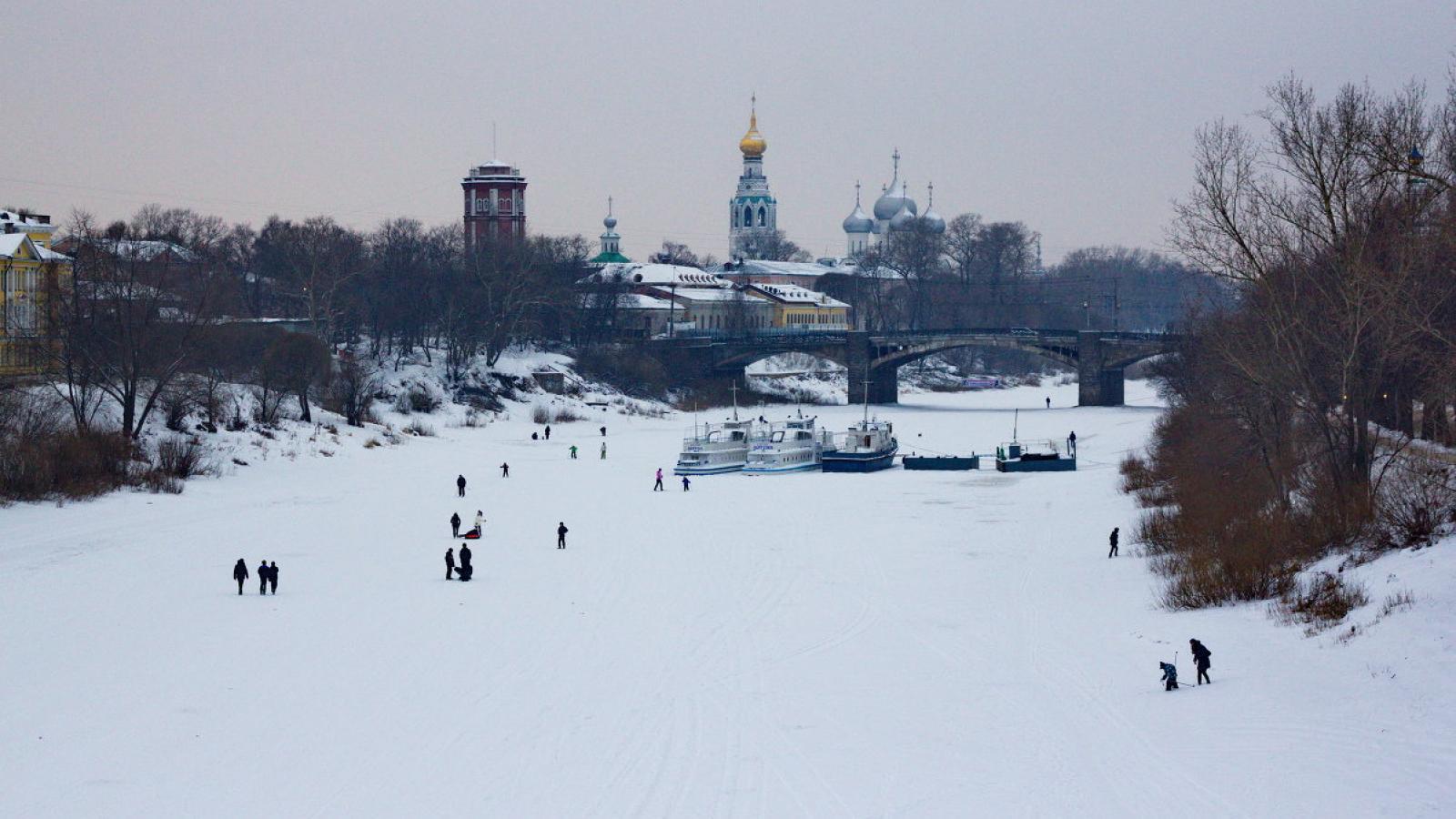 В ближайшие дни выход на лёд полностью запретят