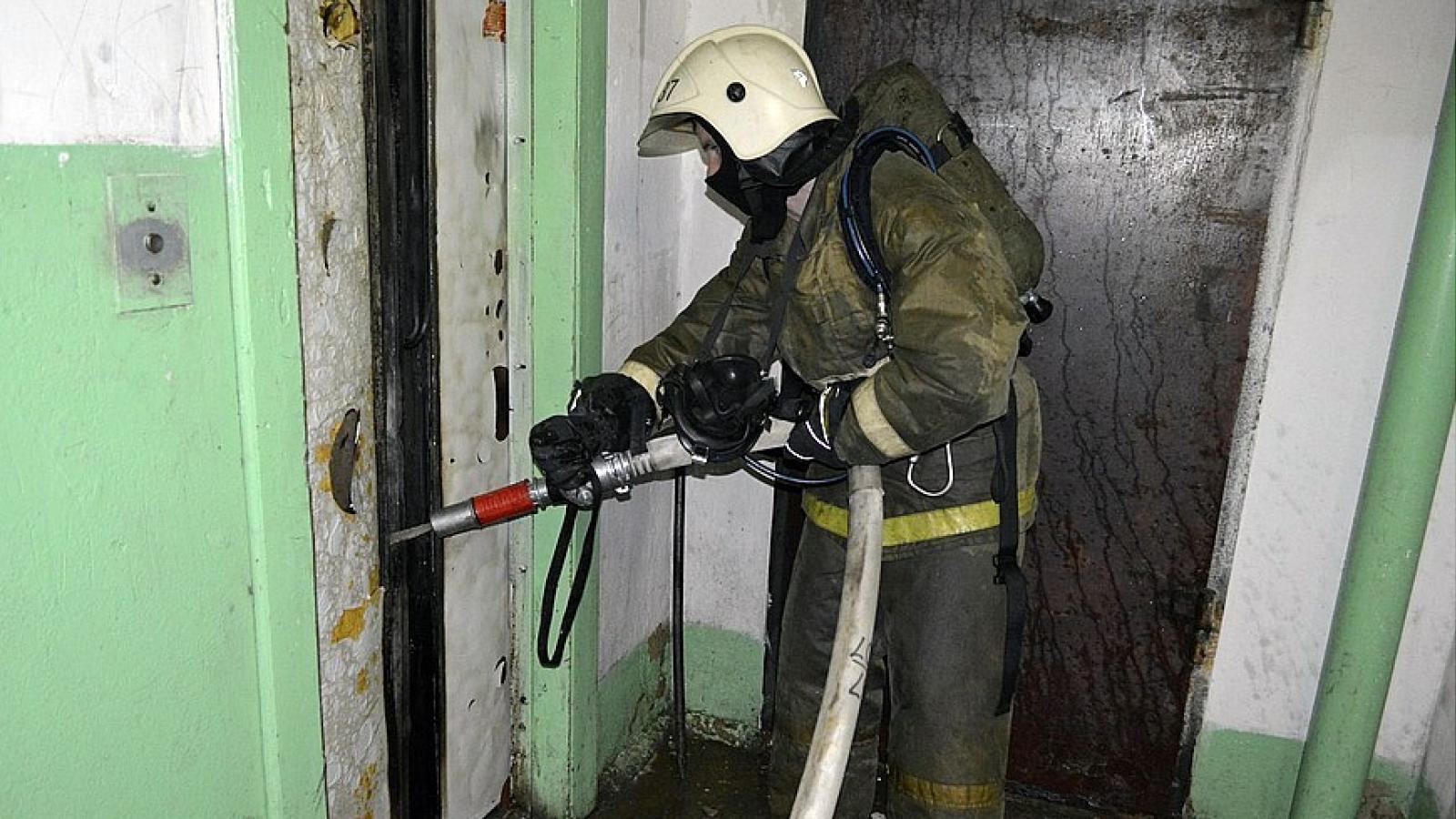 В Вологде в многоквартирном доме вспыхнул лифт