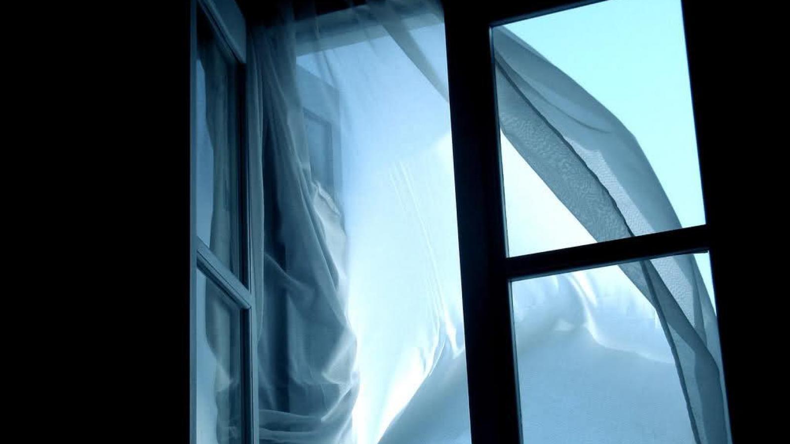Пьяный вологжанин выпал из окна 7-го этажа